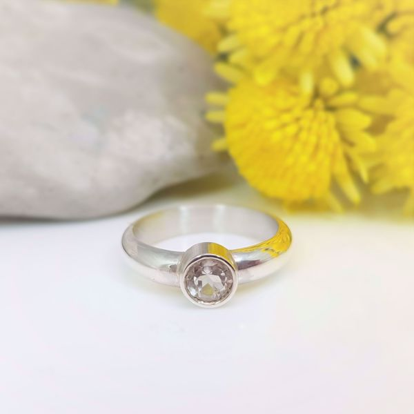 Picture of White topaz ring