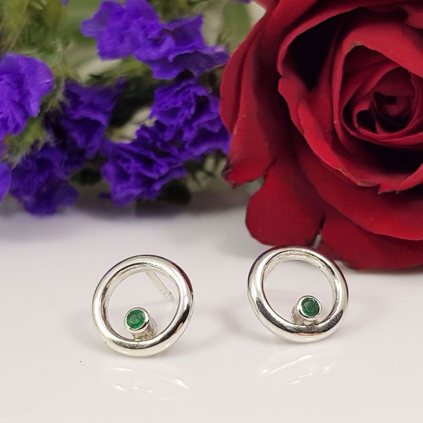 Picture of Emerald ring earrings